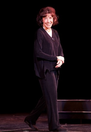 Lily Tomlin in Fairbanks, Photo by Ronn Murray