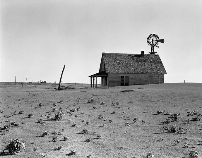 Dorothea Lange, Abandoned farm north of Dalhart, Texas. 1938. Credits: Dorothea Lange; The Library of Congress, Prints & Photographs Division