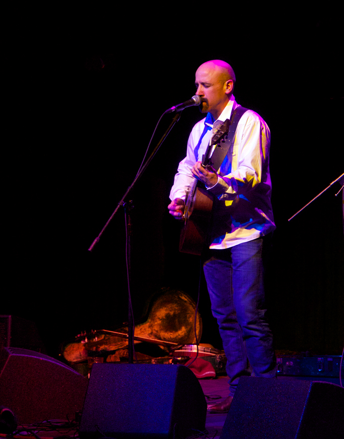 Tony Furtado on Guitar