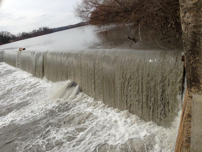 Dan River Coal Ash Spill, photo by Lynn Hey/Greensboro News & Record