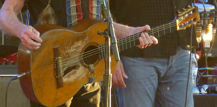 Trigger, Willie's Martin N-20 nylon-stringed classical guitar