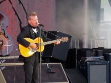 "John Mellencamp soloing ""Jack and Diane,"" Outlaw Field, Boise"