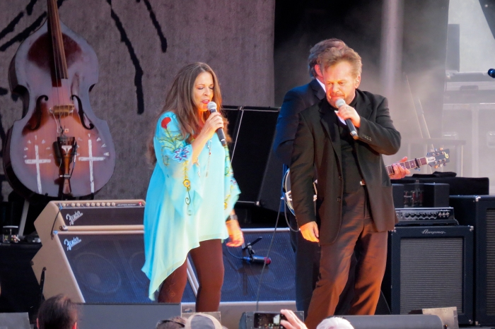 Carlene Carter and John Mellencamp