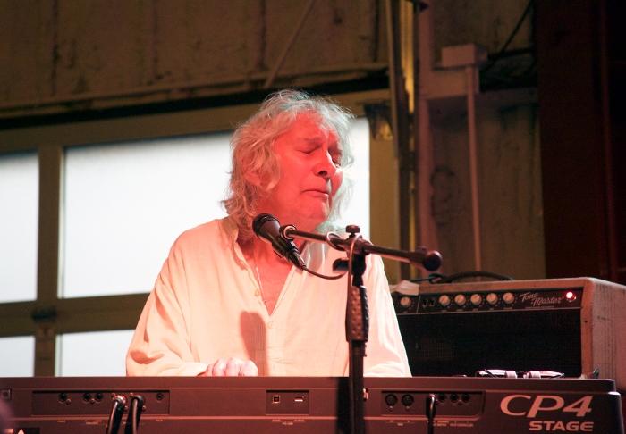 Albert Lee on the keyboard, Cinder Winery, Boise, Idaho July 11, 2017