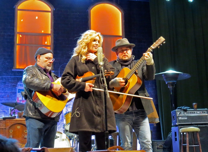 Allison Krauss with Sidney Cox (L) and Ron Block (R), Outlaw Field, Boise, October 15, 2017